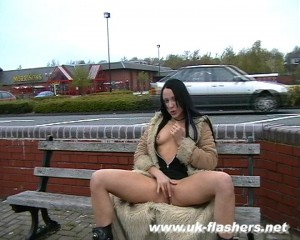 uk goth flasher