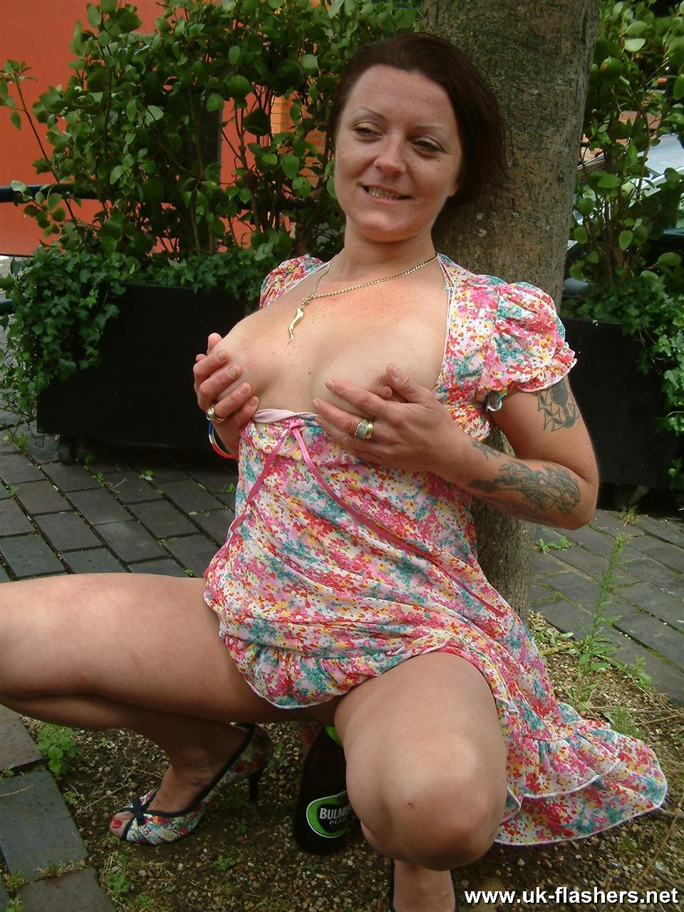 chubby naked mature woman outdoors